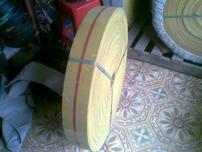 băng tải gầu màu vàng (3)
