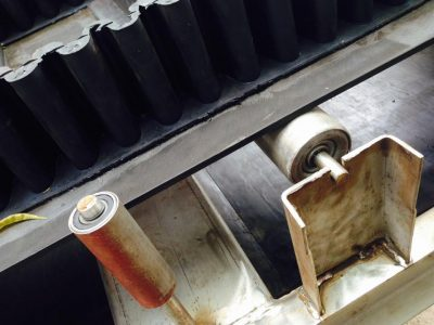 băng tải có beo + vách ngăn (4)