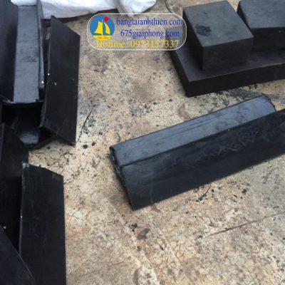 vách ngăn, gầu băng tải cao su (3)