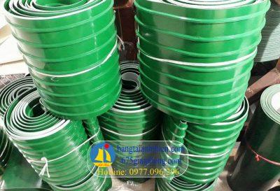 Băng tải PVC có gân dẫn hướng dưới và trên bề mặt làm việc( Gân K,5,6,8,10,13,… hình thang)